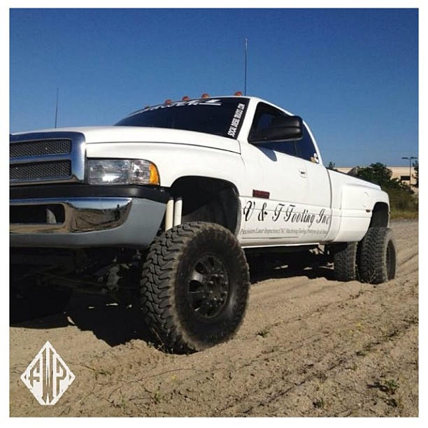 lifted chevy dually MEMEs